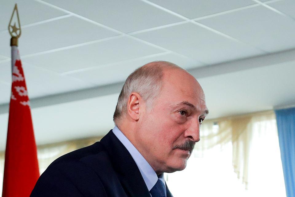 Aleksander Łukaszenko podczas głosowania, 9 sierpnia 2020 r.