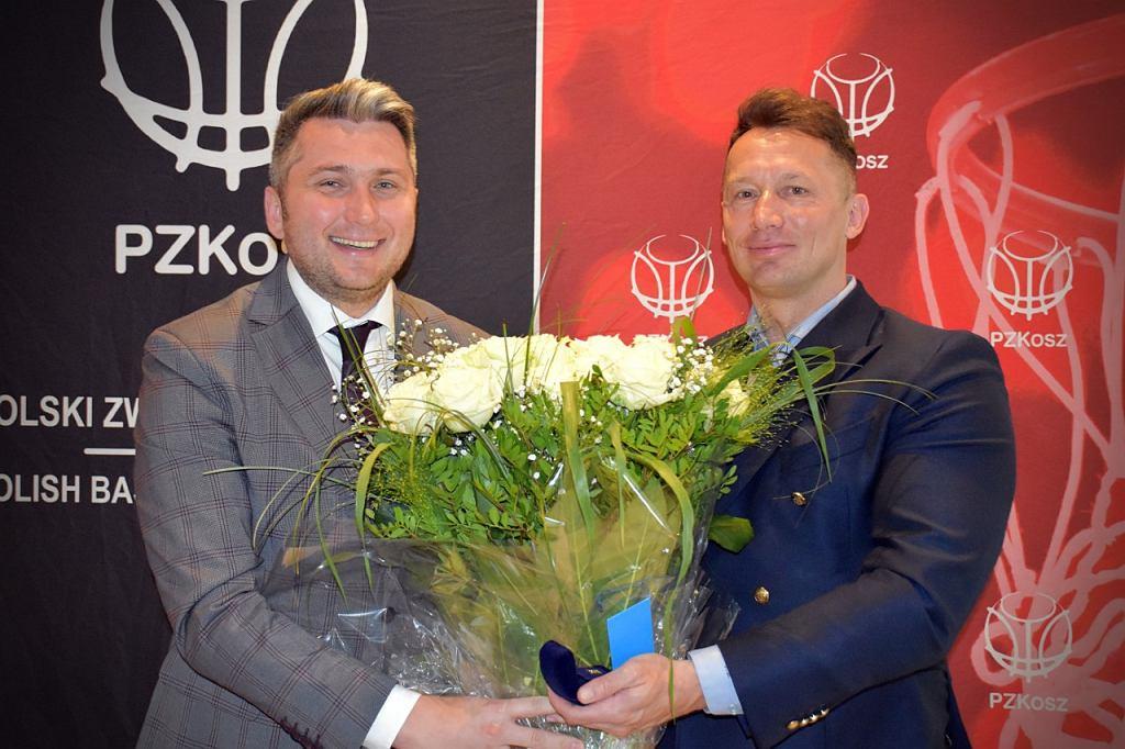 Złota odznaka Polskiego Związku Koszykówki dla Prezesa Zarządu Suzuki Motor Poland - informacja prasowa