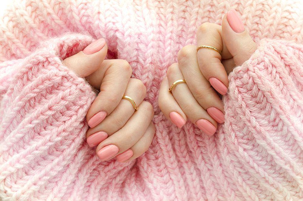 Pastelowe paznokcie, czyli najmodniejsze kolory manicure na jesień 2019