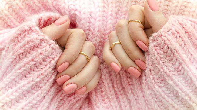 Modne kolory paznokci na sezon wiosna 2020. Taki manicure samodzielnie zrobisz w domu [trendy]