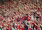 Ile Wisła Kraków zarobi pozostając w Ekstraklasie? W meczu z Lechem milion złotych leży na trybunach