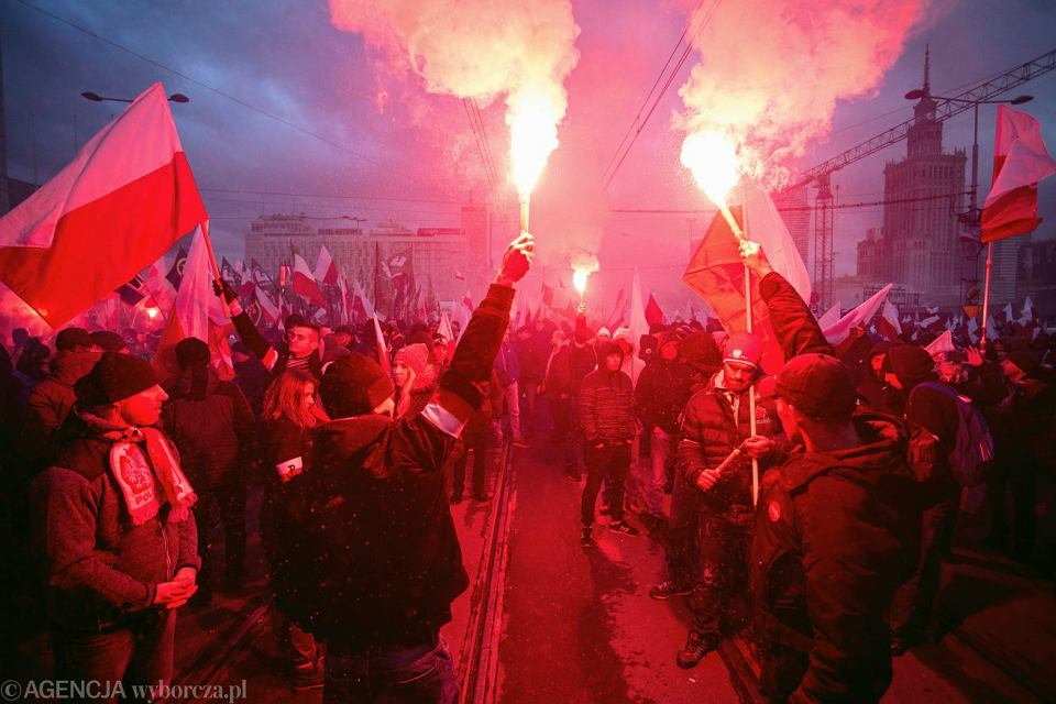 W minionych latach na Marszach Niepodległości gdzieniegdzie było słychać: 'Nasze ulice, nasze kamienice'.