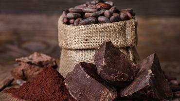 Fenyloetyloamina należy do grupy amin biogennych. Choć jest naturalnie wytwarzana przez organizm, to wchodzi także w skład niektórych produktów spożywczych, np. czekolady czy kakao