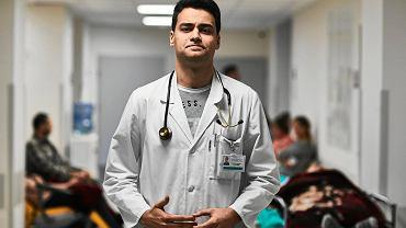 Szpitale szczepią za wolno? Lekarze widzą to inaczej.