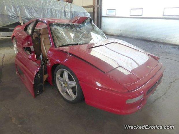 Ferrari F355 rozbite w Szwajcarii