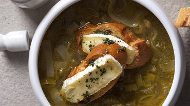 Zupa selerowo-porowa z grzankami