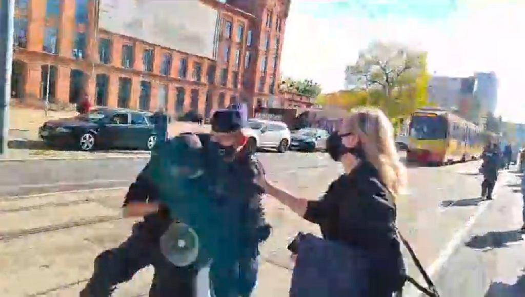 Zatrzymanie uczestnika demonstracji w Łodzi