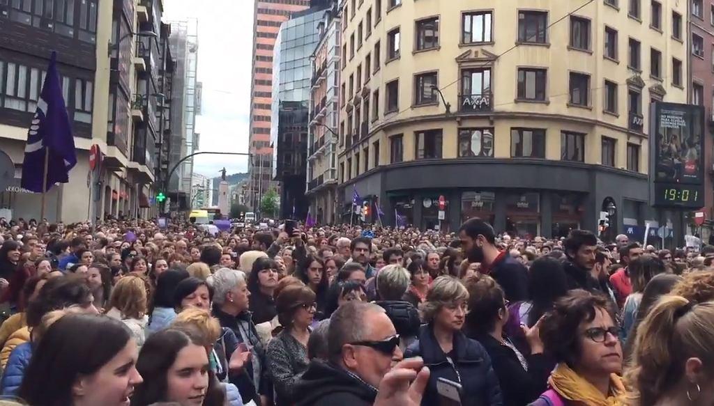 Hiszpania. Protesty po wyroku ws. zbiorowego gwałtu
