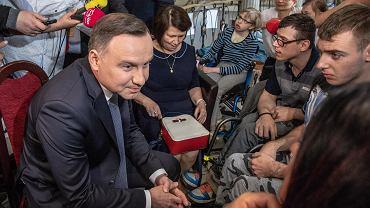 24.04.2018, prezydent Andrzej Duda wśród protestujących w Sejmie rodziców niepełnosprawnych dzieci.