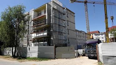 Budowa bloku przy ul. Kleeberga