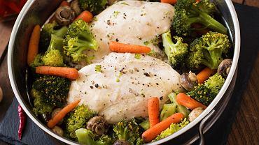Garnek do gotowania na parze to naczynie, które w swojej kuchni powinien mieć każdy fan zdrowego jedzenia.