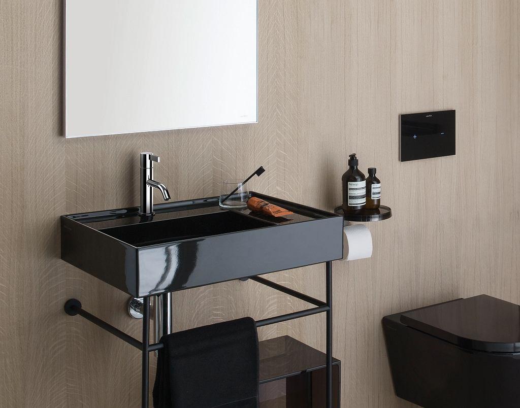 Czarna umywalka w łazience