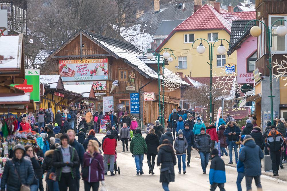 Branża turystyczna otwiera swoje lokale pomimo zakazów
