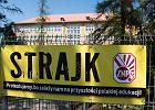 Ósmoklasiści bez przeszkód przystąpili do egzaminu z języków obcych. We Wrocławiu wciąż większość szkół strajkuje