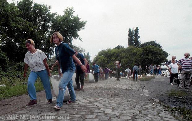 Zdjęcie numer 52 w galerii - 17 lat temu Odra zalała Wrocław. Tak wyglądało miasto [FOTO]