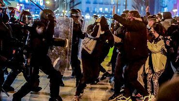 Fala protestów w Hiszpanii. 'Wolność dla Pablo Hasela' - skandowali zgromadzeni