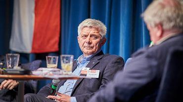 Marek Belka podczas publicznego przesłuchania kandydatów do Parlamentu Europejskiego w Łodzi