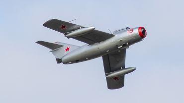 MiG-15 UTI dwumiejscowa szkoleniowa wersja myśliwca MiG-15