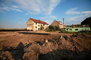 """Ziemia na wagę złota. """"Hossa na rynku gruntów potrwa dłużej niż na rynku mieszkań"""""""