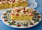 Jak przygotować rabarbar do ciasta i co z niego zrobić? Oto garść inspiracji i porad