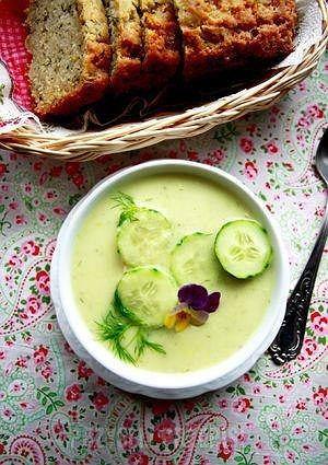 Zupa ze świeżego ogórka i koperku