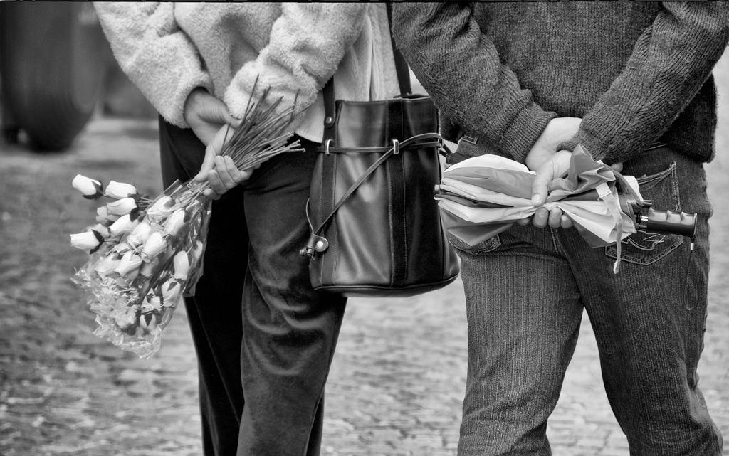 Dzień kobiet 2018: kiedy mężczyźni stoją w kolejkach do kwiaciarni - to jest ten dzień