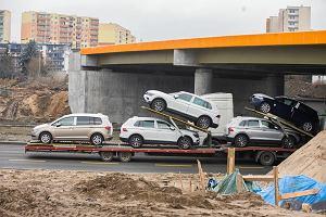 Import starych aut wyszedł z pandemii. Napływa też coraz więcej używanych aut na prąd
