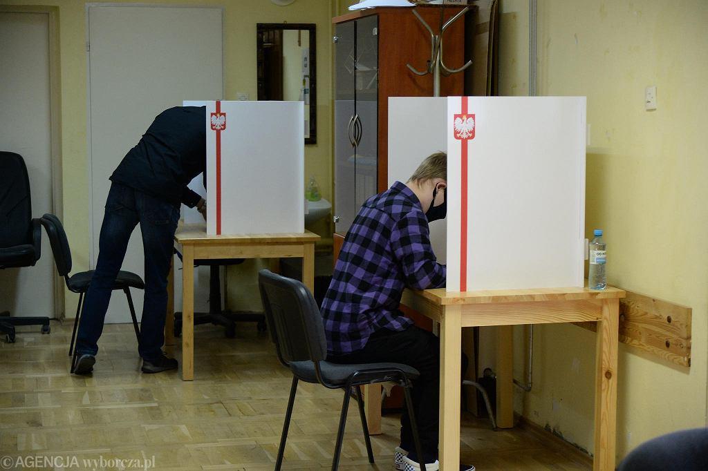Głosowanie w drugiej turze wyborów prezydenckich w Szczecinie