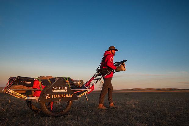 Zdjęcie numer 1 w galerii - Mateusz Waligóra przeszedł samotnie pustynię Gobi jako pierwszy w historii