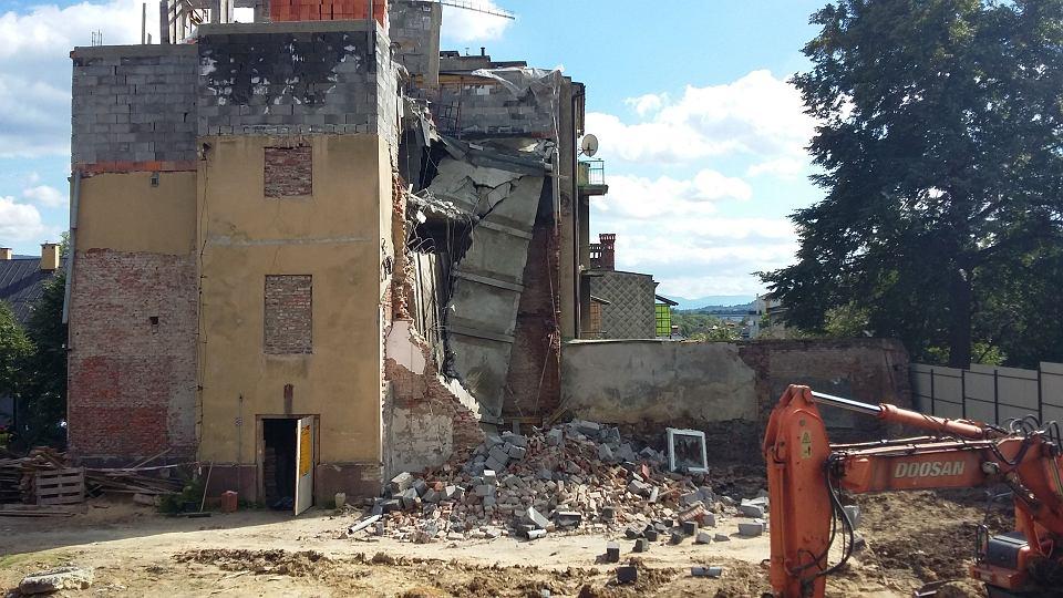 Zdjęcie numer 1 w galerii - Katastrofa budowlana w Bielsku-Białej. Zawaliła się część kamienicy