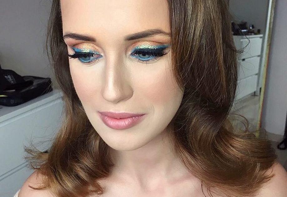 Szlachetne kolory takie jak szmaragd i szafir rządzą w makijażu sylwestrowym