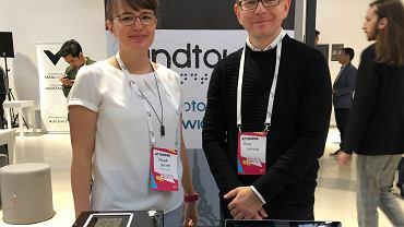 Sylwia i Piotr Cybulscy, twórcy prototypu aparatu fotograficznego dla niewidomych