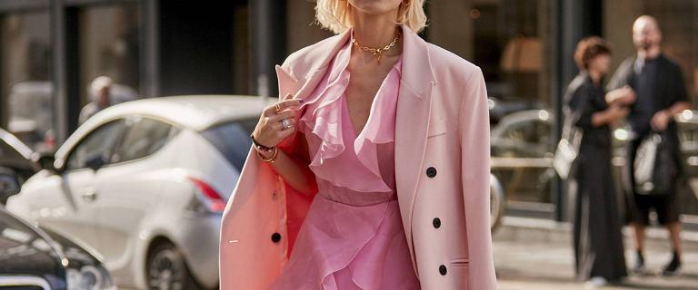 Jak sukience dodać blasku i elegancji? Te połączenia są niesamowite!