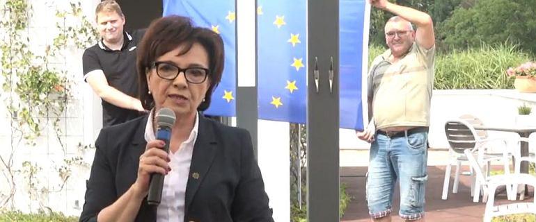 """Leszno. Za plecami Witek rozwinięto unijną flagę. """"Ja się nie wstydzę"""""""