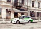Hybrydowe taksówki Toyoty w Warszawie i Wrocławiu