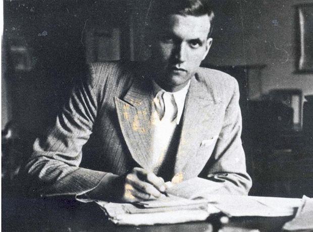 Jan Karski na zdjęciu wykonanym w Warszawie w 1935 r. Przyszły Jan Karski miał wtedy 21 lat i studiował prawo oraz dyplomację na Uniwersytecie Jana Kazimierza we Lwowie.