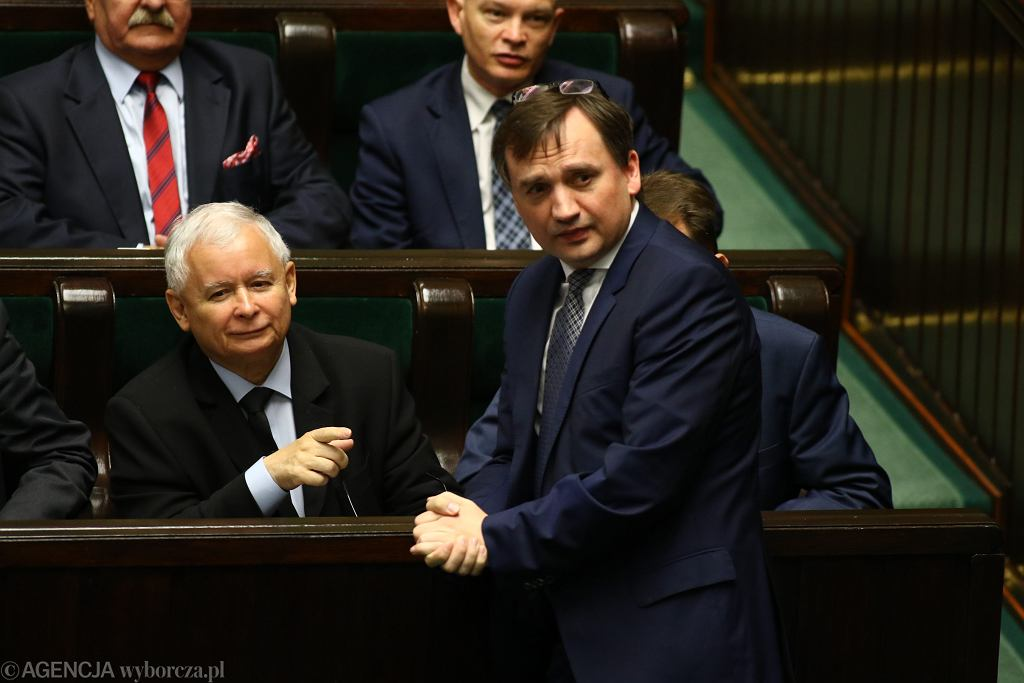 Minister sprawiedliwości i prokurator generalny w rządzie PiS Zbigniew Ziobro, oraz jego mocodawca prezes partii Jarosław Kaczyński