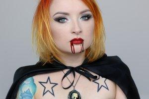 Uczy Polki Malować Red Lipstick Monster Królowa Youtuba