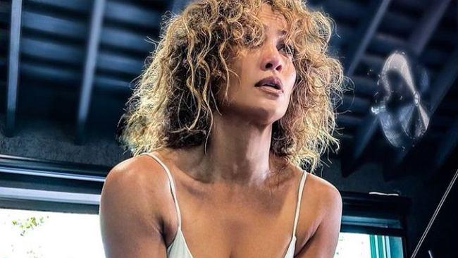 Jennifer Lopez opublikowała zdjęcie z plaży. Widać, że piosenkarka dużo trenuje!
