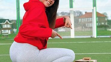 Celine Dept z piłką wyczynia cuda. Piękna Belgijka podbija internet