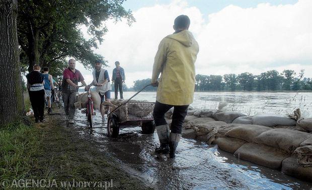 Zdjęcie numer 51 w galerii - 17 lat temu Odra zalała Wrocław. Tak wyglądało miasto [FOTO]