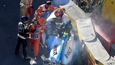 27.04.2019, Baku, Robert Kubica opuszcza swój bolid po wypadku podczas sesji kwalifikacyjnej jutrzejszego Grand Prix Azerbejdżanu.