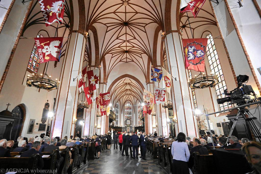 Oficjalne obchody 550 - lat parlamentaryzmu Rzeczypospolitej. Msza w Archikatedrze św. Jana poprzedzająca Zgromadzenie Narodowe