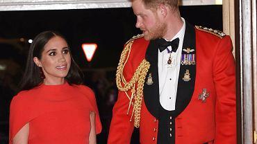 Książę Harry sam podjął decyzję o odejściu z rodziny królewskiej. Jest wściekły, bo wszyscy myślą, że to sprawka Meghan
