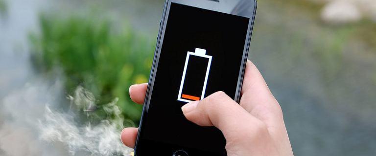 Ładujesz w ten sposób swój telefon? Możesz zniszczyć baterię