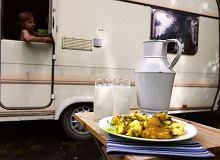 Młode ziemniaki z koperkiem i kwaśnym mlekiem - ugotuj