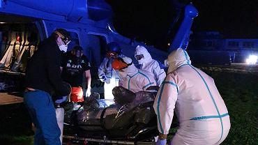Policyjny śmigłowiec Black Hawk pomógł w ratowaniu życia pielęgniarki chorej na COVID-19