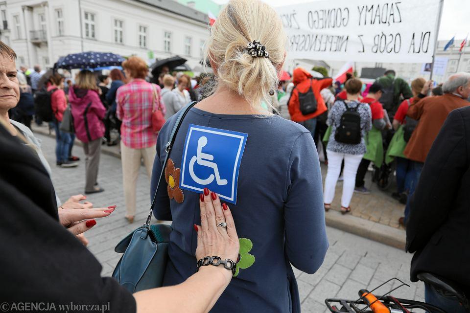 23.05.2019, Warszawa, demonstracja osób niepełnosprawnych i rodziców osób niepełnosprawnych.