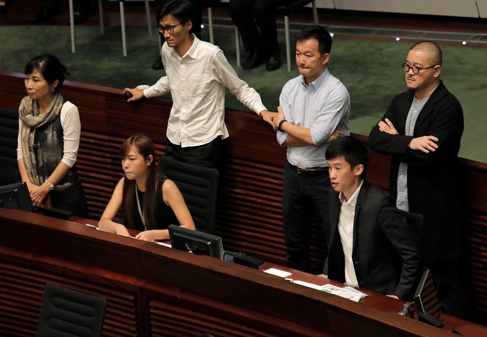 Hongkong. Niepokoje w parlamencie, gdy nie przyjęto przysięgi części deputowanych