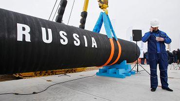 Senat USA uchwalił przepisy, które mają uniemożliwić Gazpromowi dokończenie bałtyckiego gazociągu Nord Stream 2. Wcześniej takie sankcje uchwalila już Izba Reprezentantów USA. Na zdjęciu: początek budowy w Petersburgu, 9 kwietnia 2010